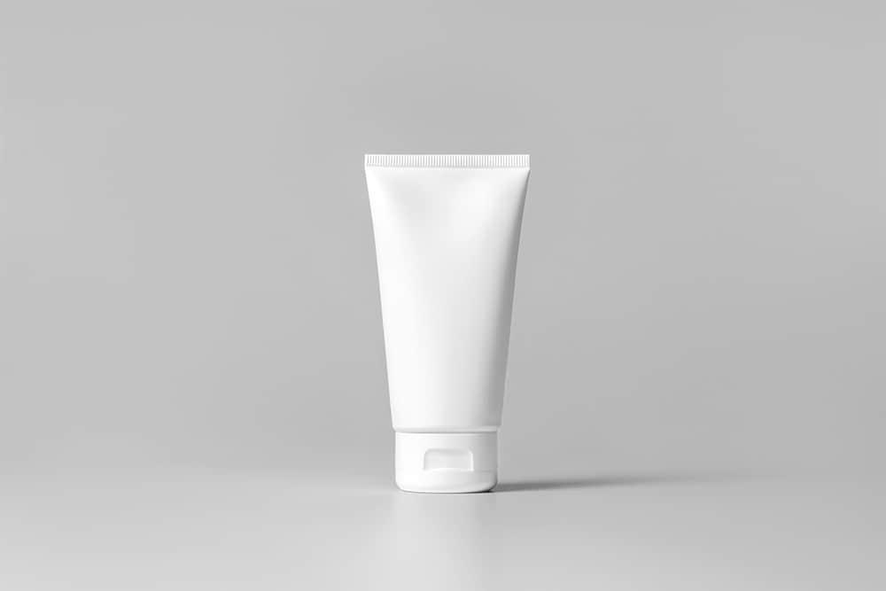 洗面奶包装效果图护肤品乳液瓶子贴图样机PSD设计素材