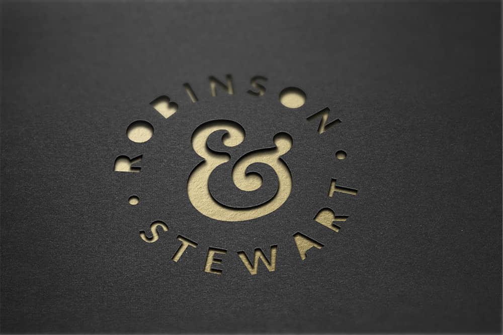 logo展示psd样机黑卡镂空效果图