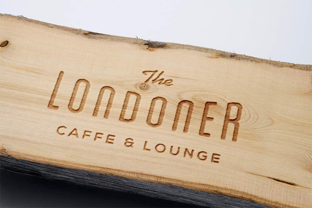 logo展示psd样机木雕木纹激光刻字效果图