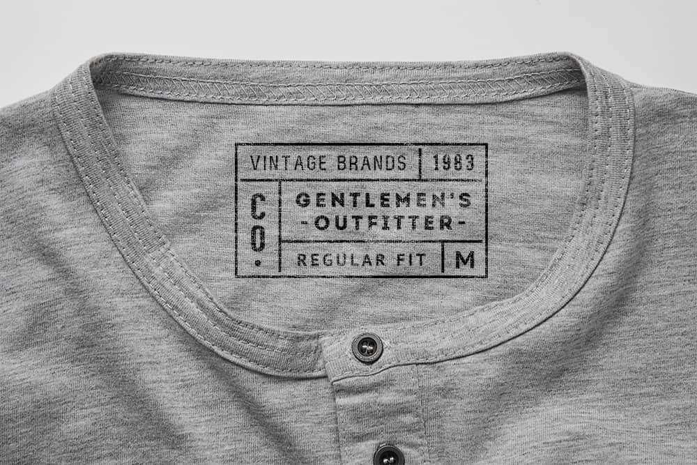 logo展示psd样机浅灰色T恤热转印效果图