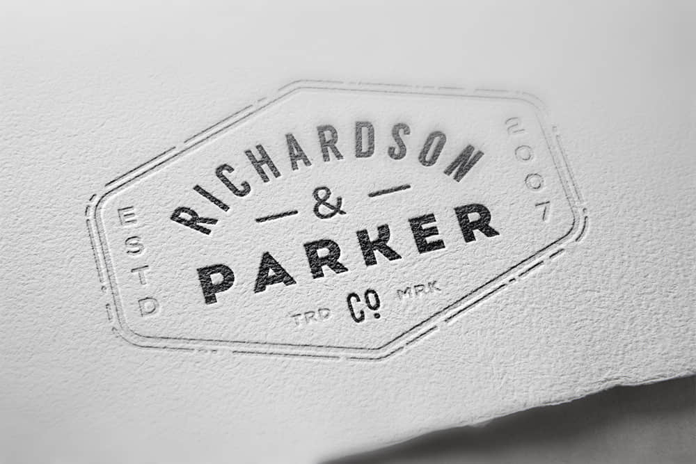 logo展示psd样机特种纸压印凹印效果图