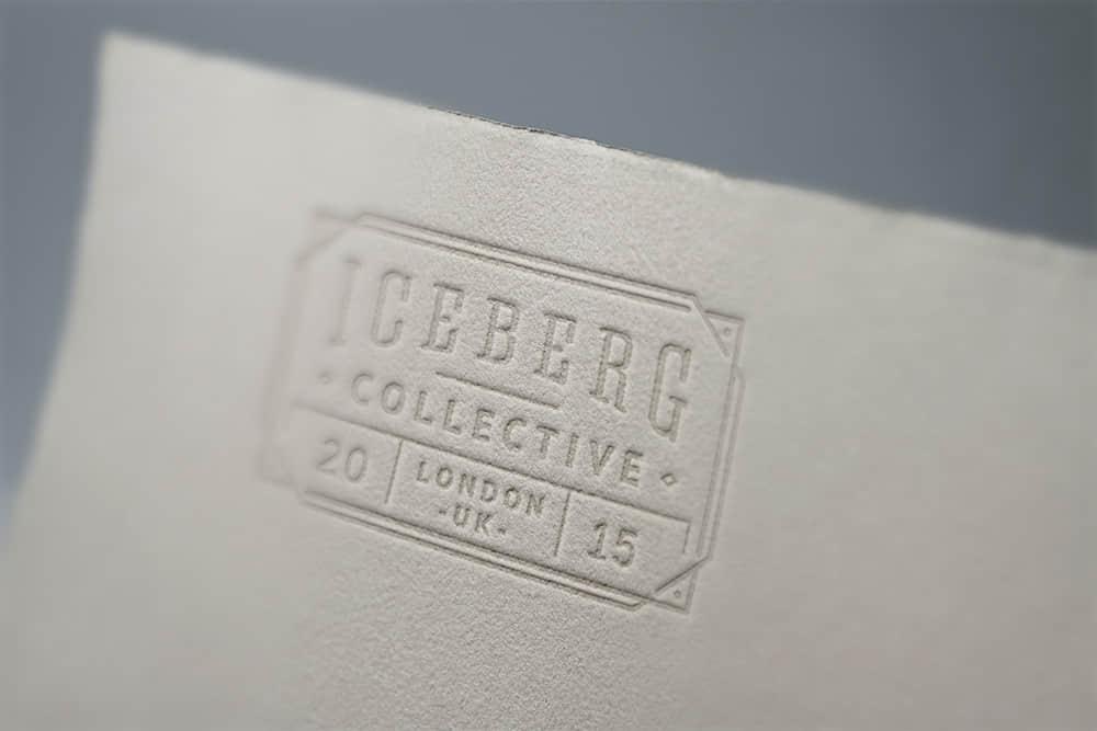 logo展示psd样机特种纸压印特写效果图