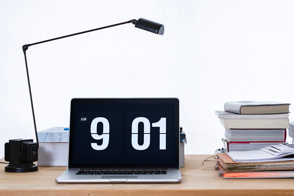 极简时钟屏保Fliqlo网红屏保翻页日历式的复古界面超高人气屏幕保护程序Fliqlo